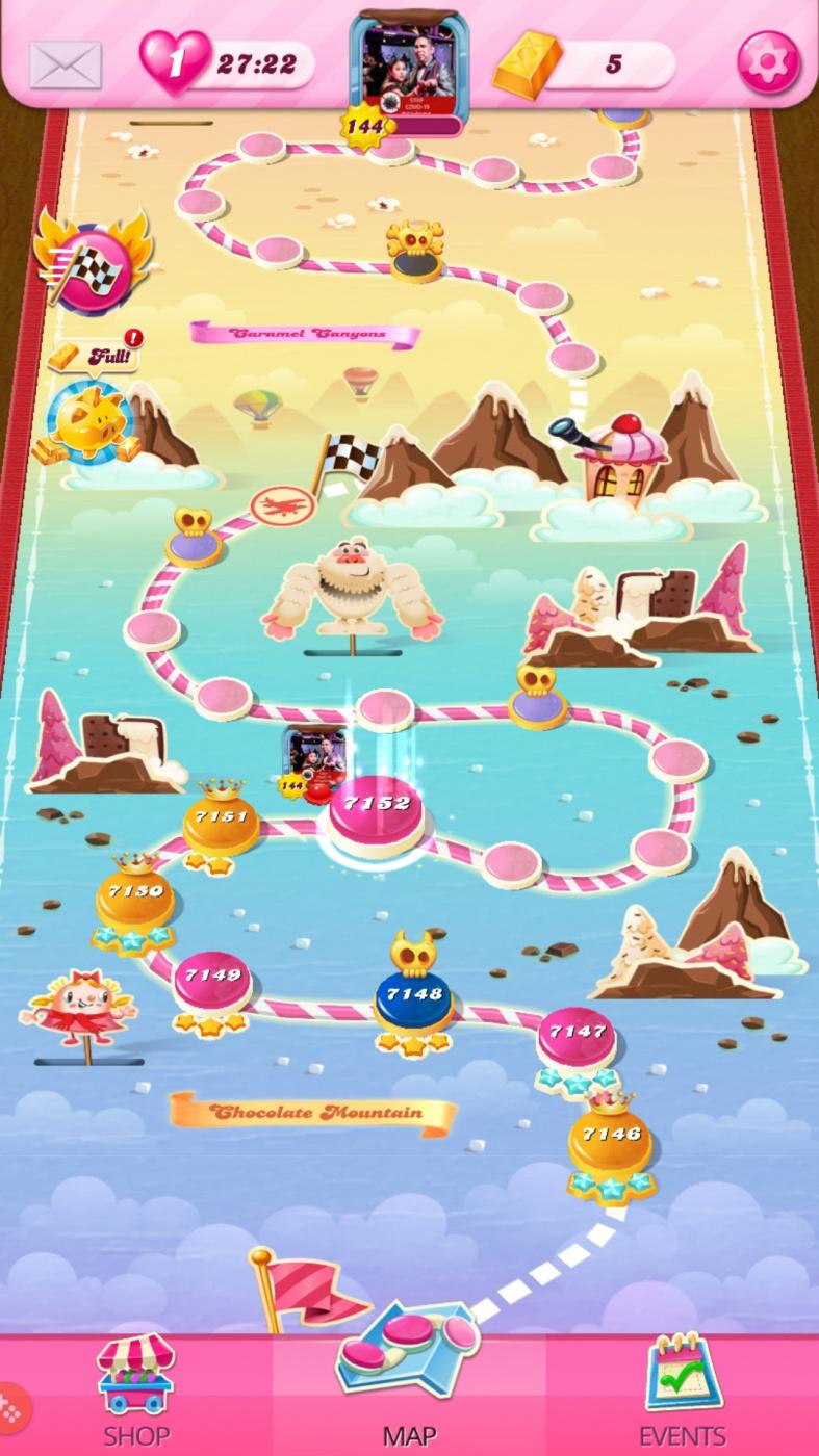 Screenshot_20200726-212703_Candy Crush Saga.jpg