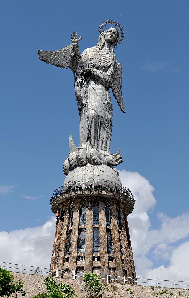 800px-Virgen_de_Quito_02.jpg
