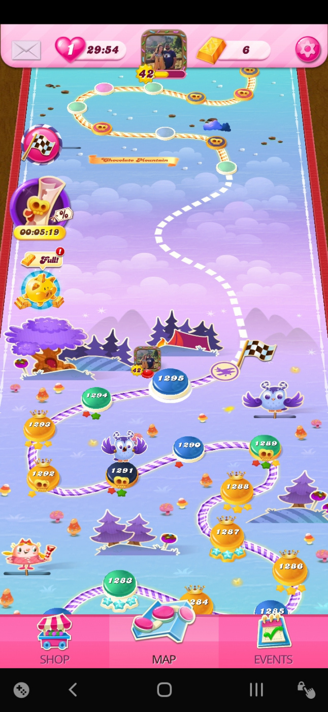 Screenshot_20200602-032658_Candy Crush Saga.jpg