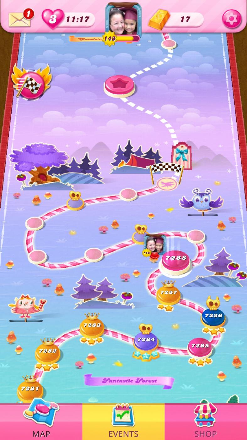 Screenshot_20210408-065240_Candy Crush Saga.jpg