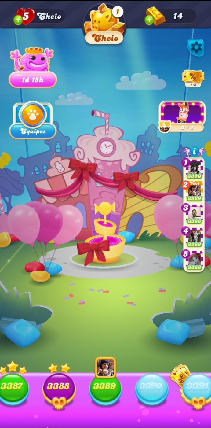 Screenshot_20201019-112439_Candy Crush Soda.jpg