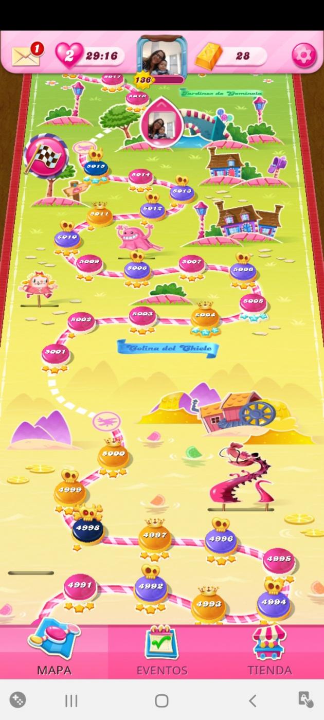 Screenshot_20201102-121511_Candy Crush Saga.jpg
