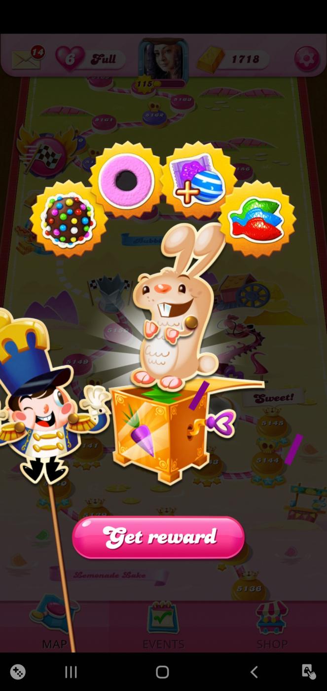 Screenshot_20210220-015344_Candy Crush Saga.jpg
