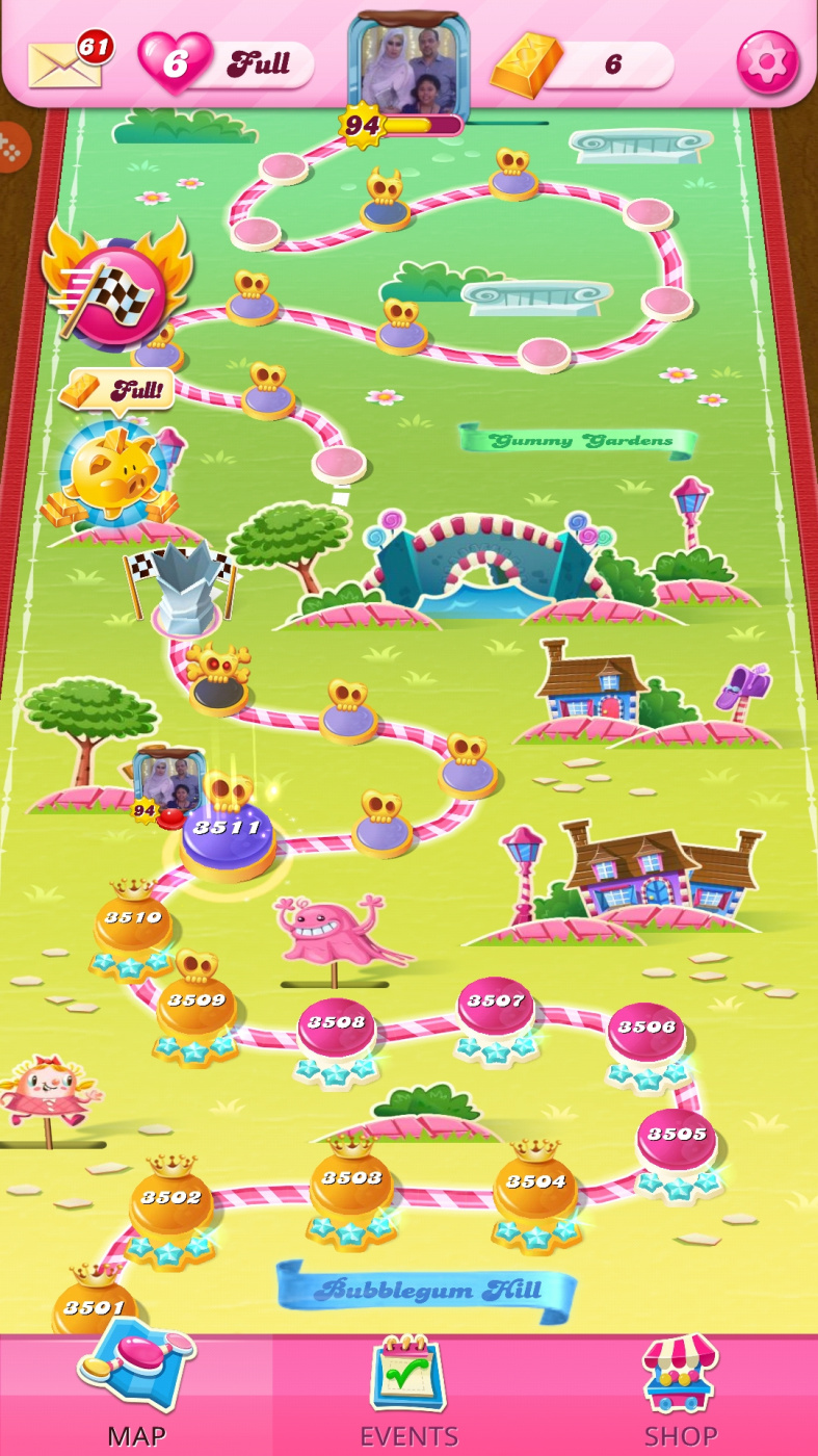 Screenshot_20201201-065022_Candy Crush Saga.jpg