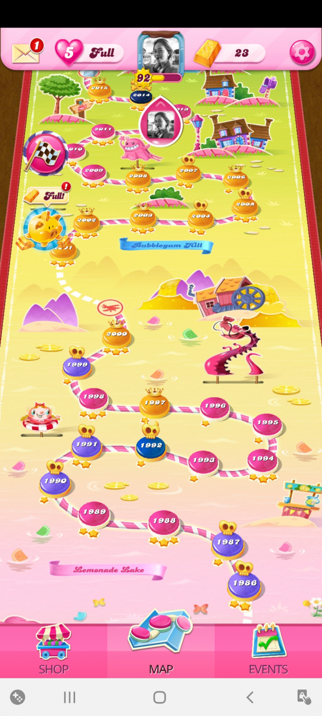 Screenshot_20200804-161309_Candy Crush Saga.jpg
