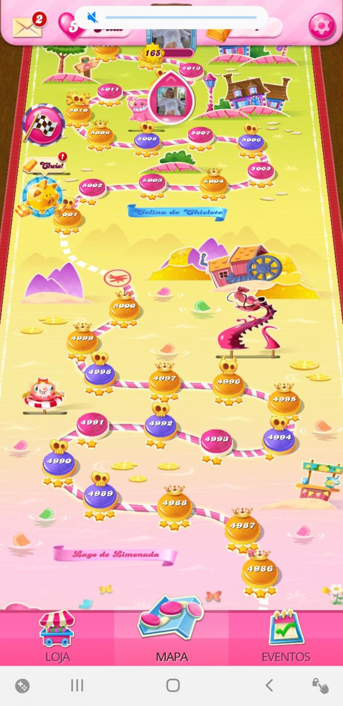 Screenshot_20200724-045843_Candy Crush Saga.jpg