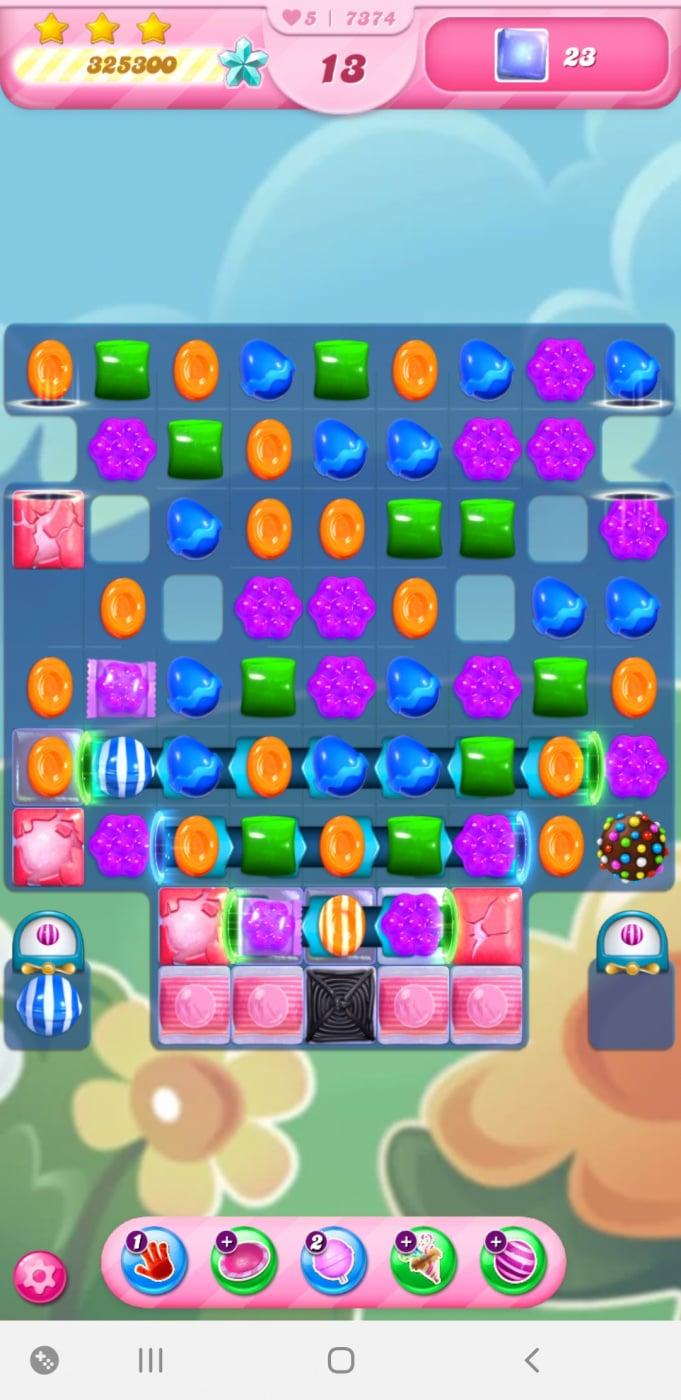 Screenshot_20210415-225326_Candy Crush Saga.jpg