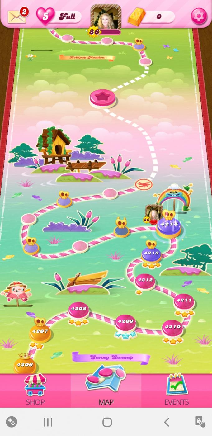 Screenshot_20200604-082408_Candy Crush Saga.jpg