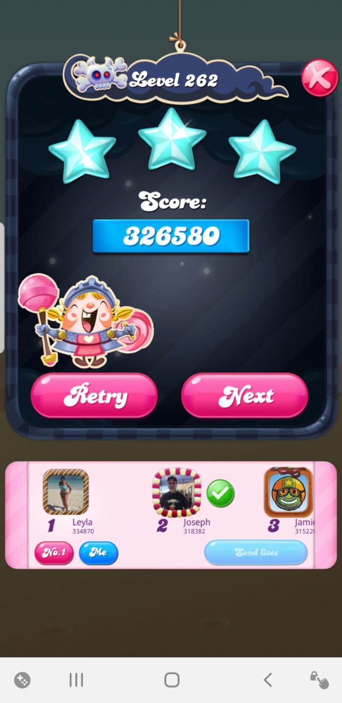 Screenshot_20210430-163903_Candy Crush Saga.jpg