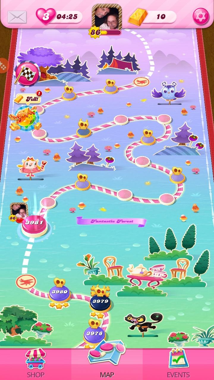 Screenshot_20200608-142011_Candy Crush Saga.jpg