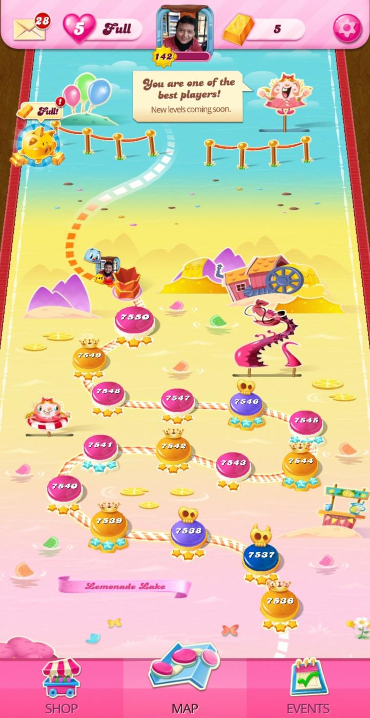 Screenshot_20200818-132603_Candy Crush Saga.jpg