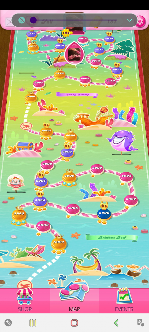 Screenshot_20200829-032113_Candy Crush Saga.jpg
