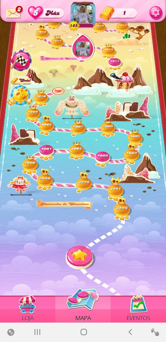 Screenshot_20200724-045807_Candy Crush Saga.jpg