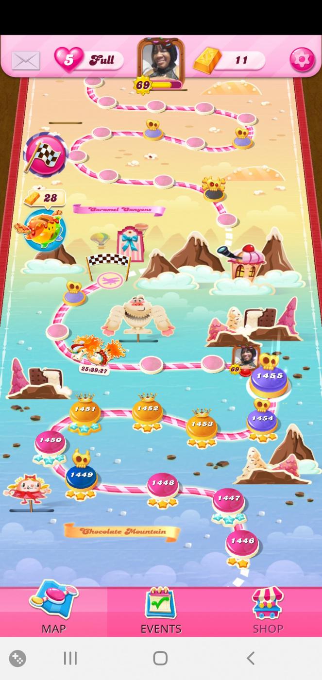 Screenshot_20201230-072034_Candy Crush Saga.jpg