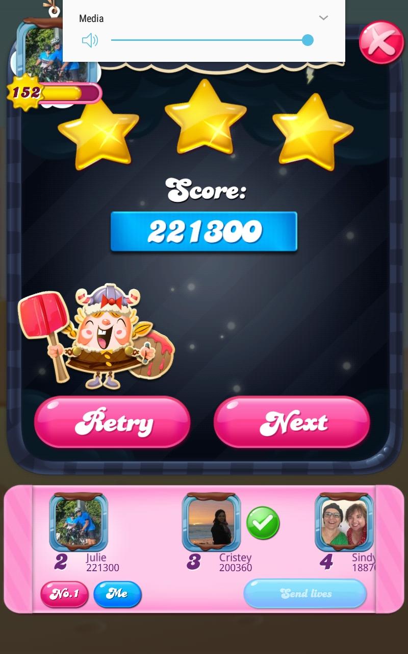 Screenshot_20210401-101200_Candy Crush Saga.jpg