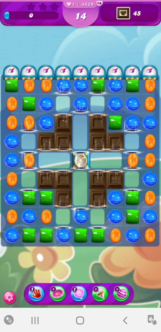 Screenshot_20210327-161917_Candy Crush Saga.jpg