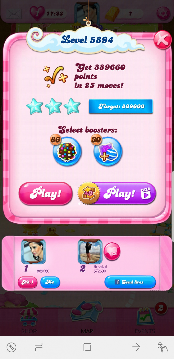 Screenshot_20200804-231947_Candy Crush Saga.jpg