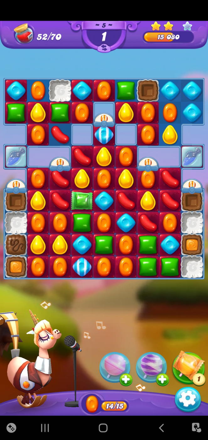 Screenshot_20210506-120014_Candy Crush Friends.jpg