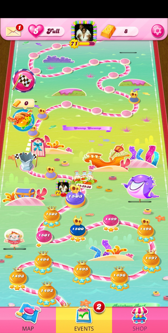 Screenshot_20210516-033024_Candy Crush Saga.jpg
