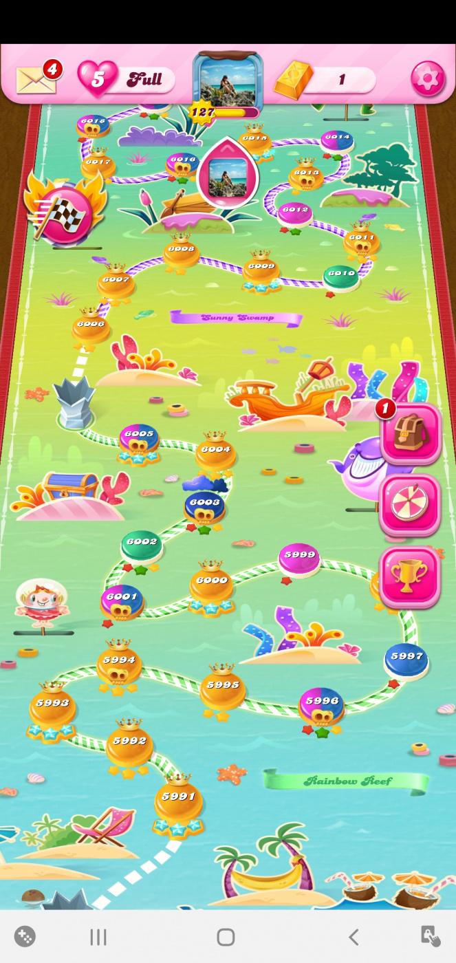 Screenshot_20200528-070900_Candy Crush Saga.jpg