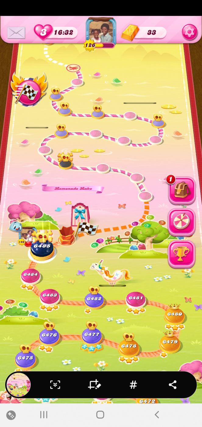 Screenshot_20200526-162100_Candy Crush Saga.jpg