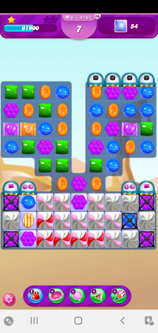 Screenshot_20210525-225750_Candy Crush Saga.jpg
