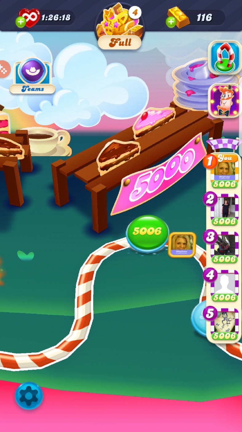 Screenshot_20200620-021737_Candy Crush Soda.jpg