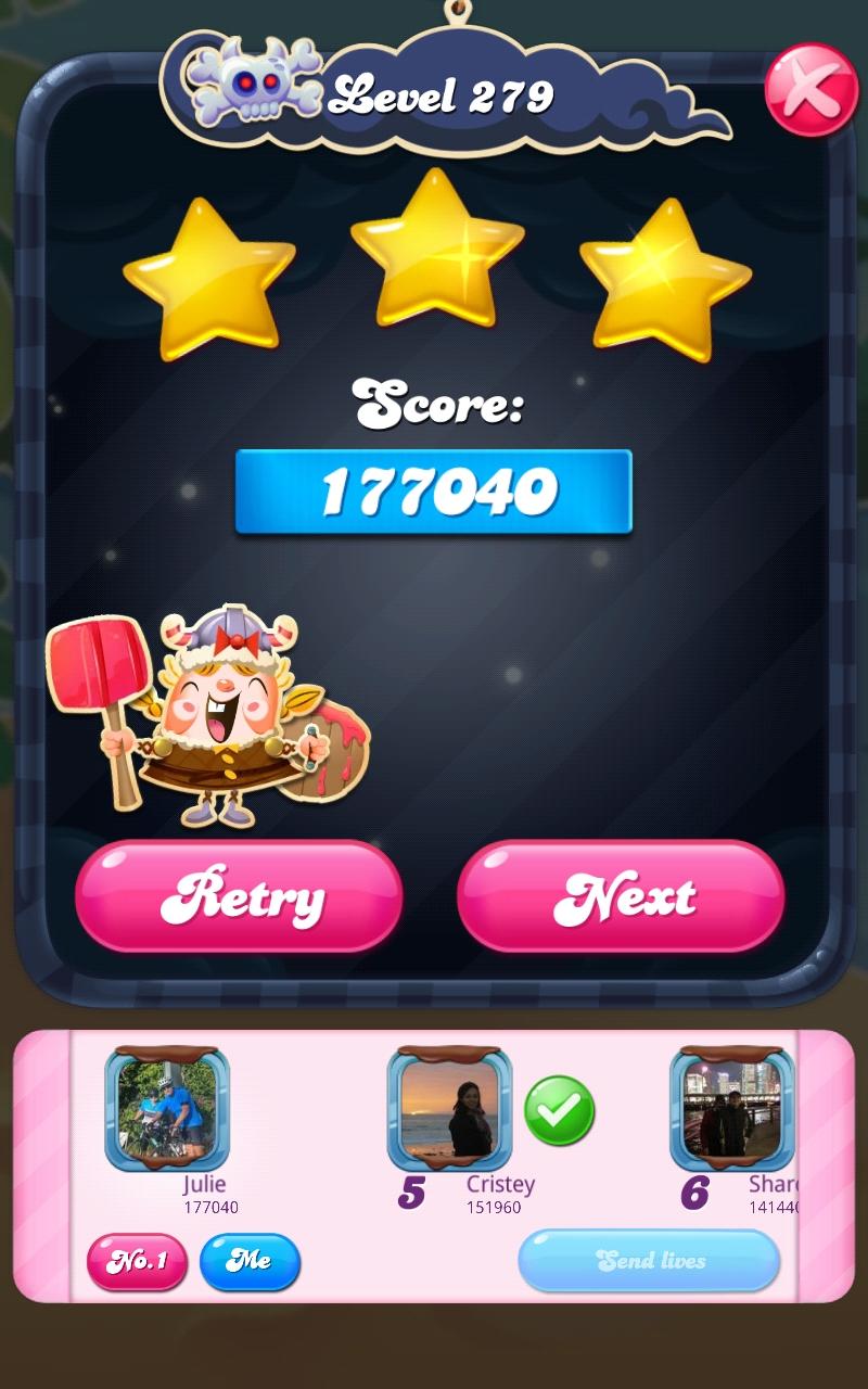 Screenshot_20210513-161958_Candy Crush Saga.jpg