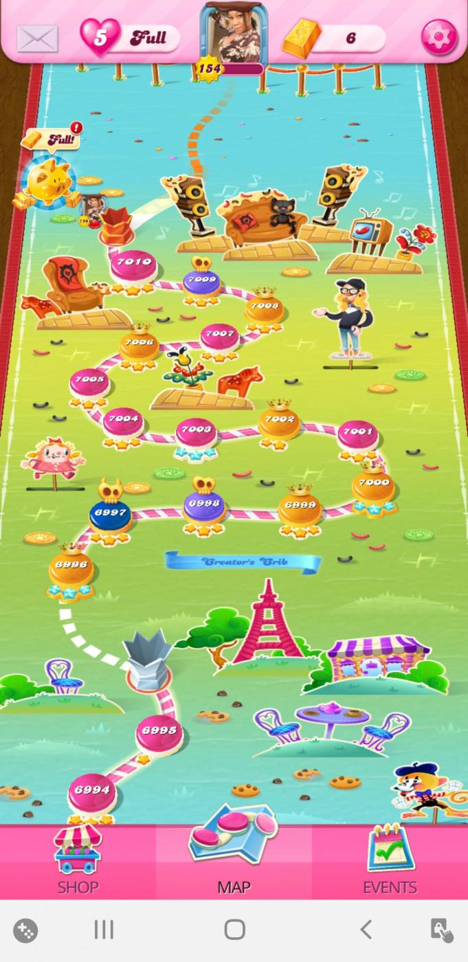Screenshot_20200526-194009_Candy Crush Saga.jpg