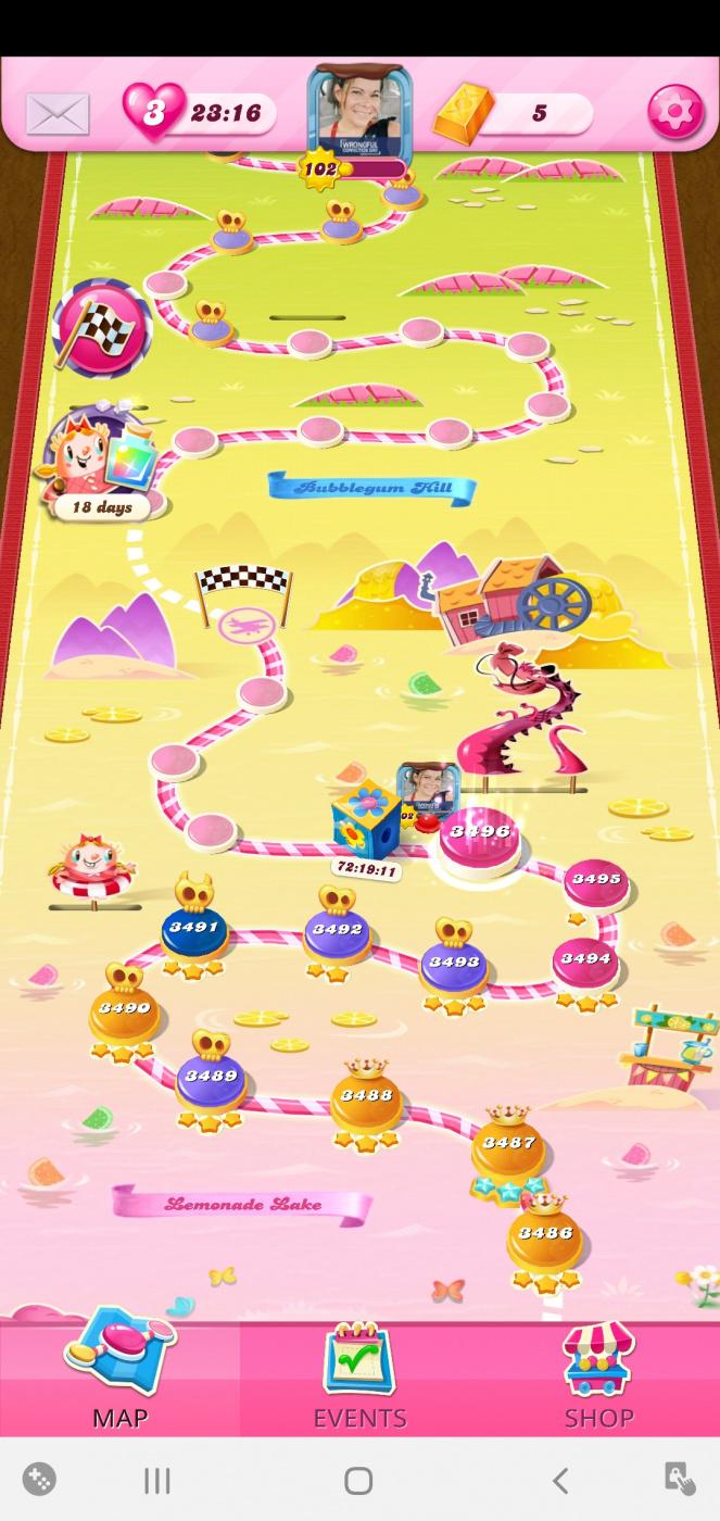 Screenshot_20201023-034050_Candy Crush Saga.jpg