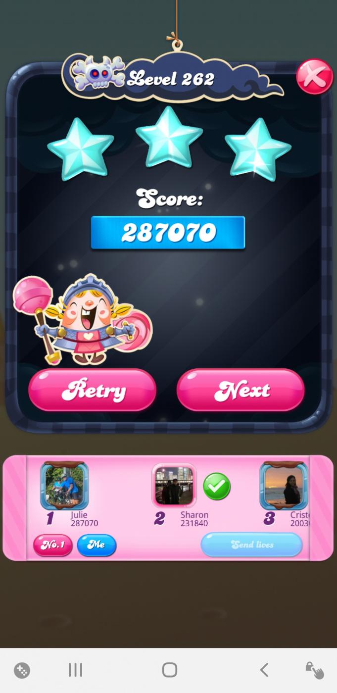 Screenshot_20210401-205858_Candy Crush Saga.jpg