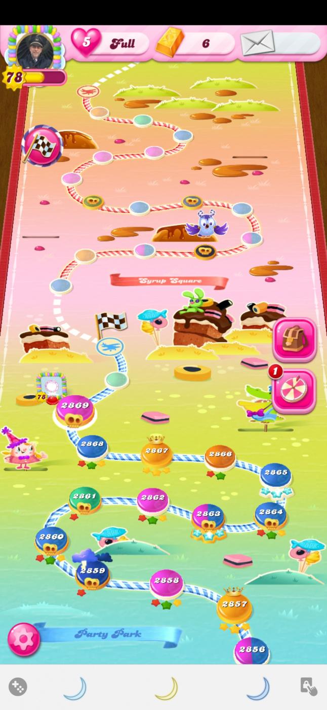 Screenshot_20210605-170156_Candy Crush Saga.jpg