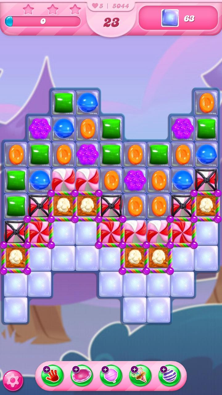 Screenshot_20200804-184043_Candy Crush Saga.jpg