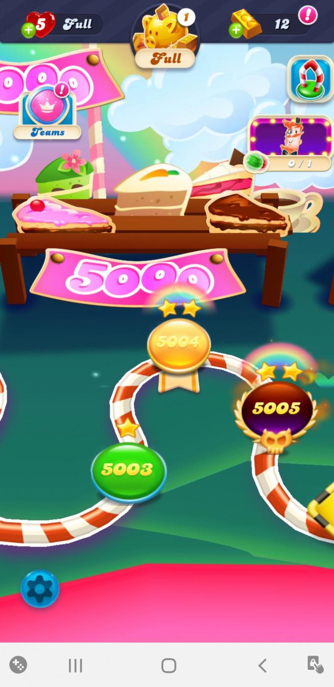 Screenshot_20200618-224248_Candy Crush Soda.jpg