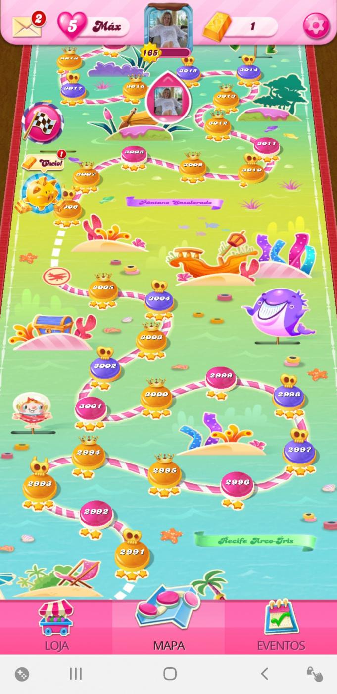Screenshot_20200724-045712_Candy Crush Saga.jpg