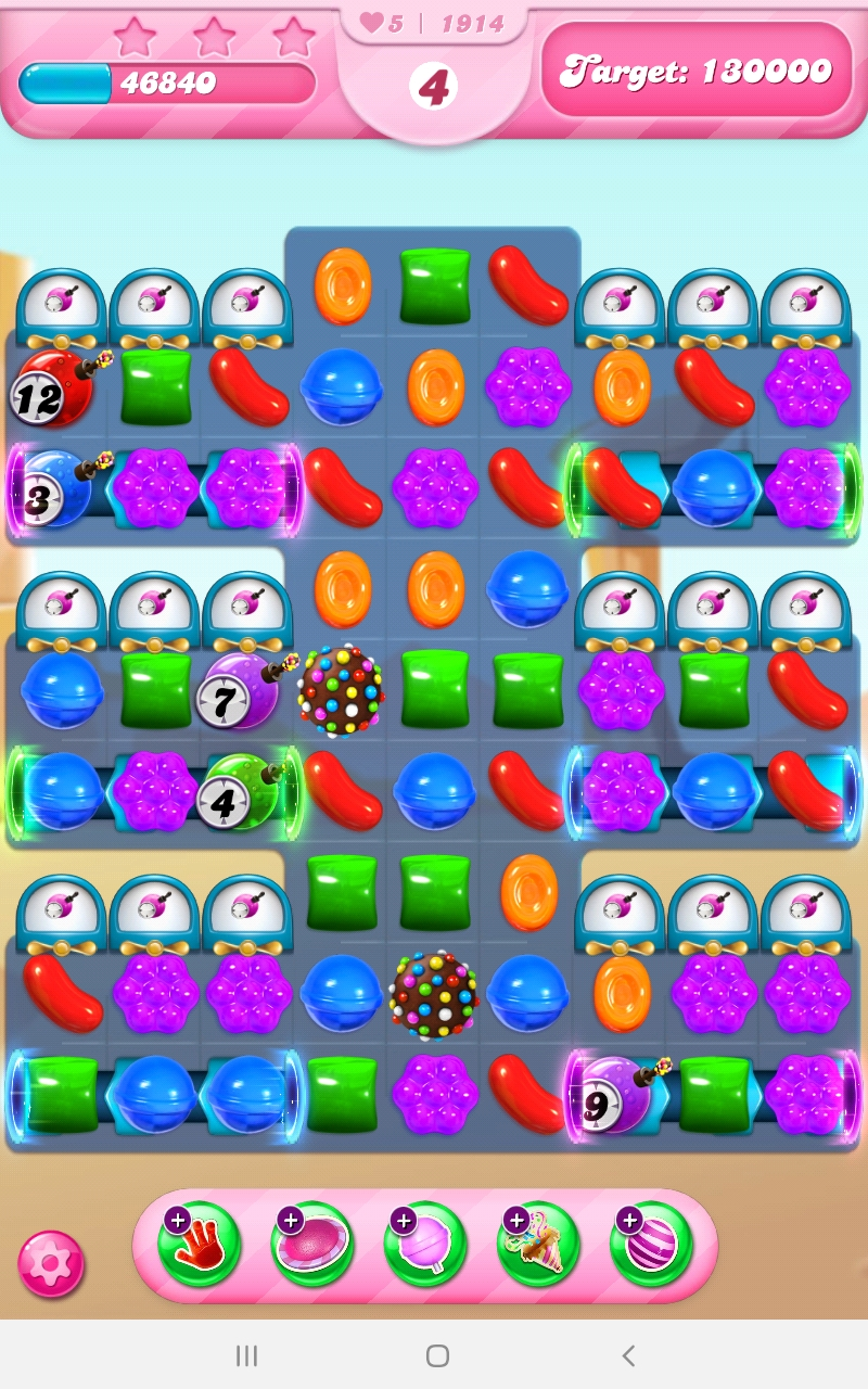 Screenshot_20210324-094906_Candy Crush Saga.jpg