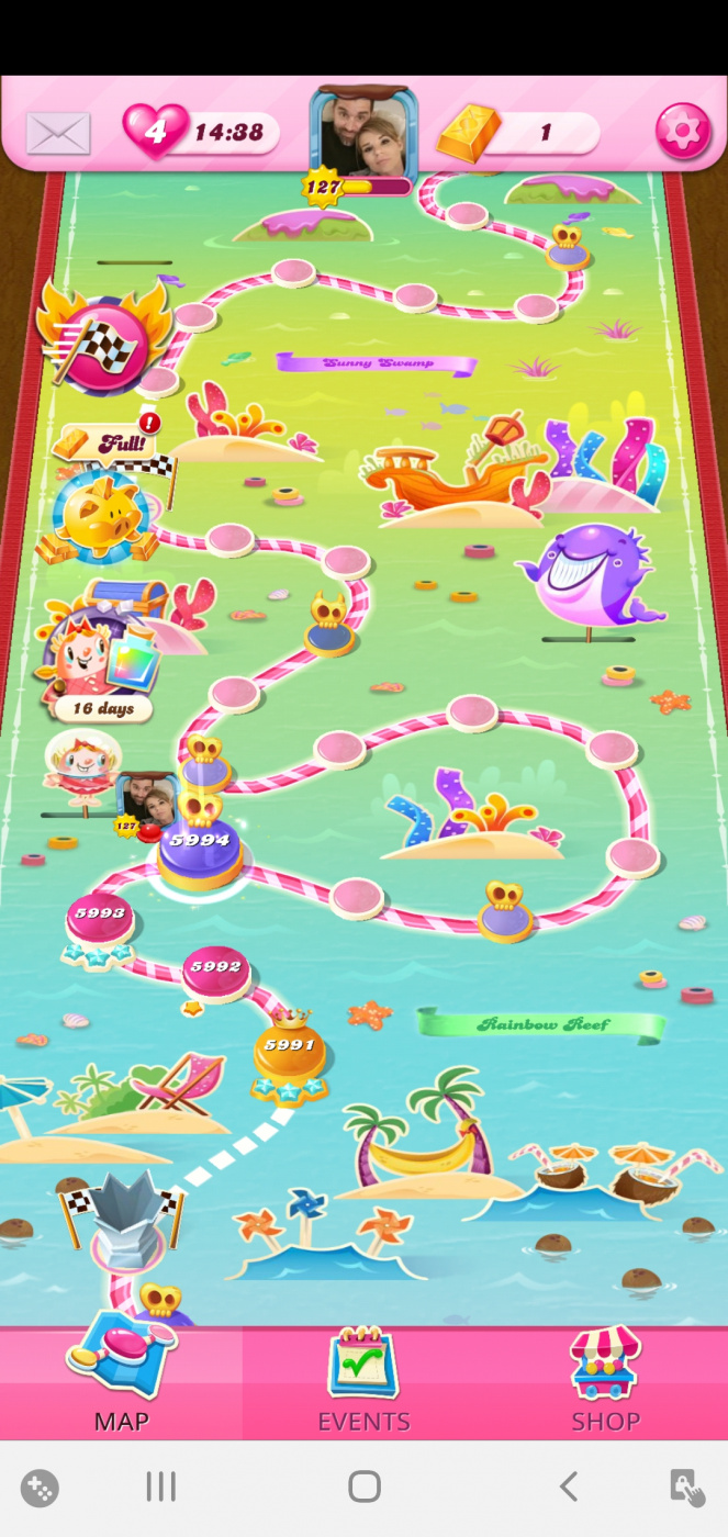 Screenshot_20201025-100721_Candy Crush Saga.jpg