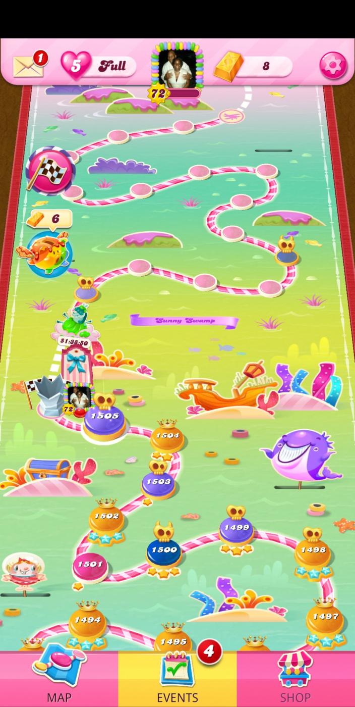 Screenshot_20210612-012111_Candy Crush Saga.jpg