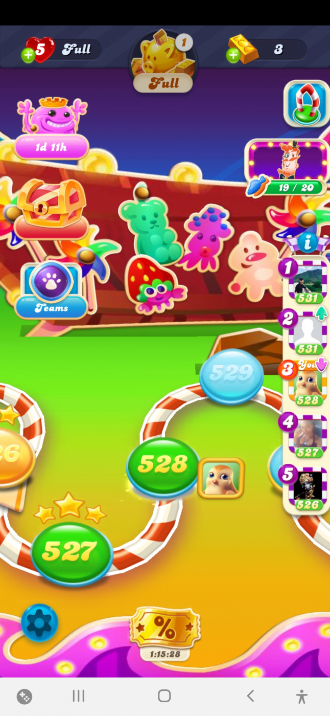 Screenshot_20200915-131902_Candy Crush Soda.jpg