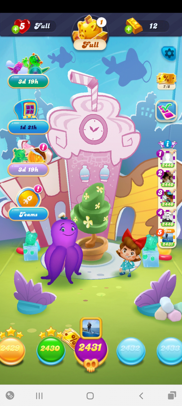 Screenshot_20210327-132324_Candy Crush Soda.jpg