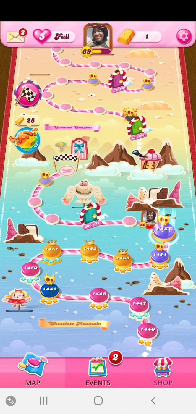 Screenshot_20201225-214829_Candy Crush Saga.jpg