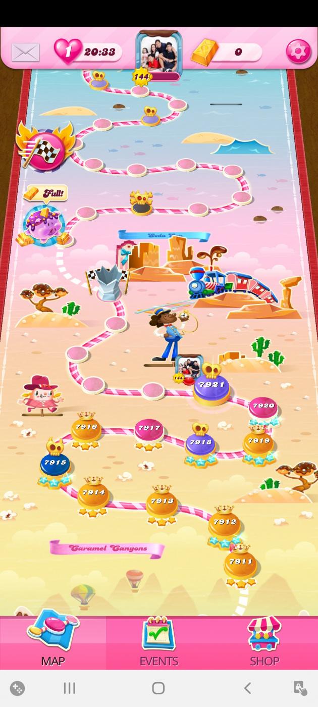 Screenshot_20201020-152441_Candy Crush Saga.jpg
