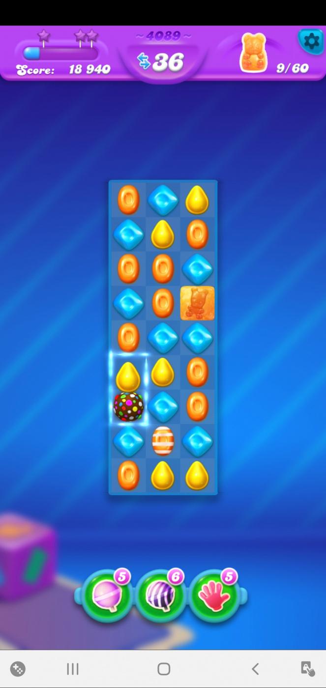 Screenshot_20201118-032729_Candy Crush Soda.jpg