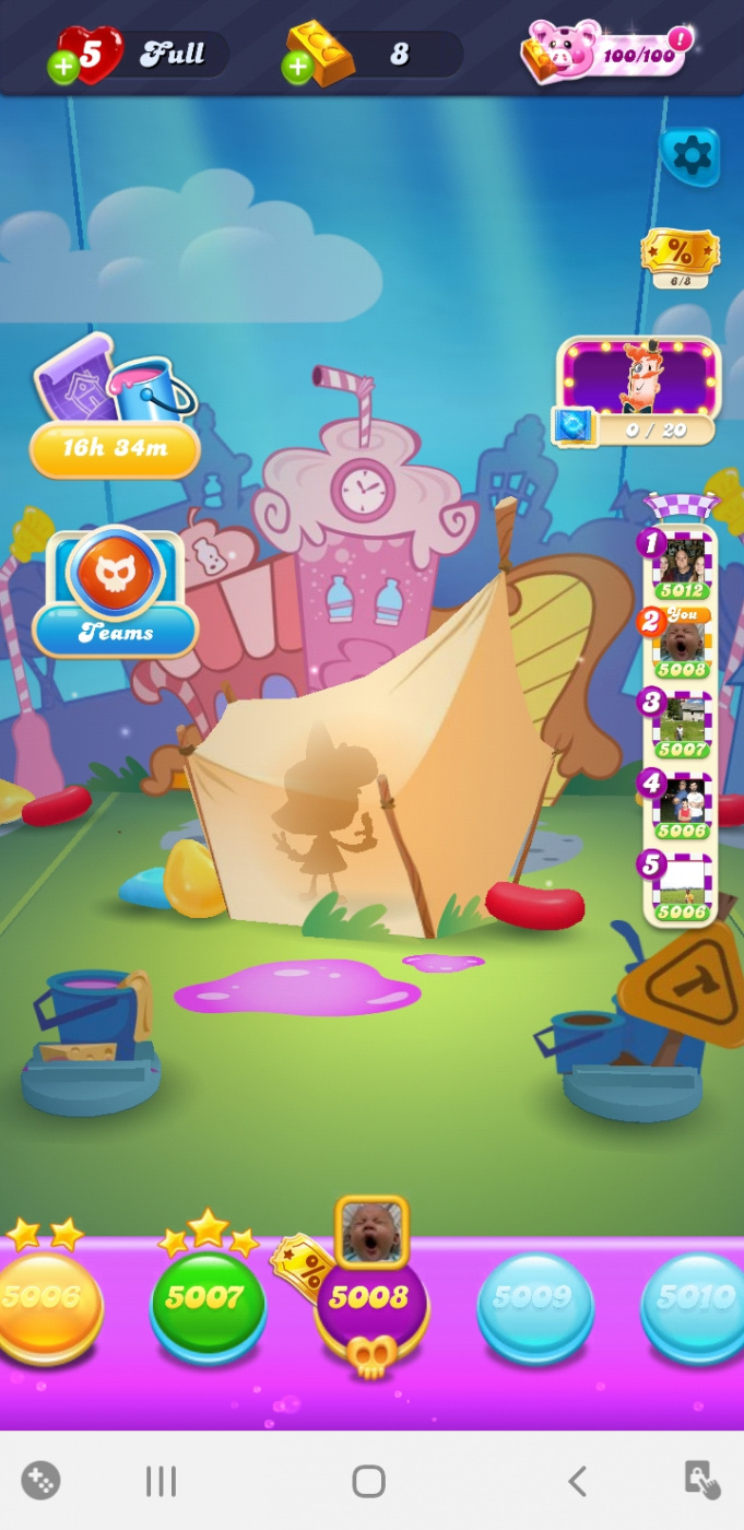 Screenshot_20201018-212042_Candy Crush Soda.jpg