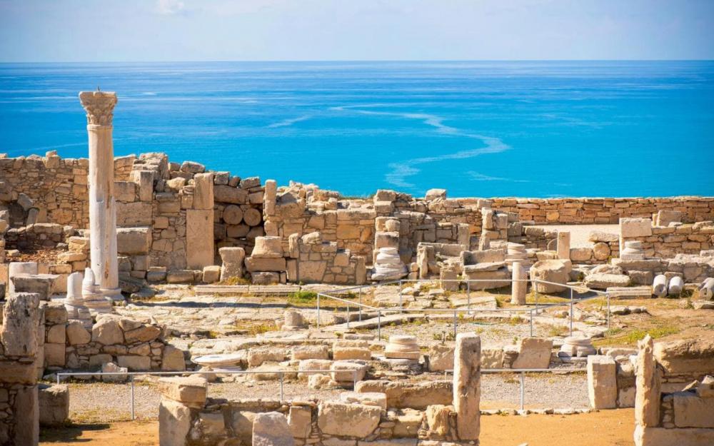 cyprus-do-ruins-of-Ancient-Kourion-xlarge.jpg