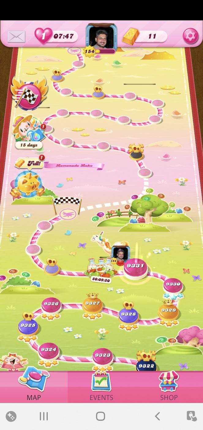 Screenshot_20210521-075041_Candy Crush Saga.jpg