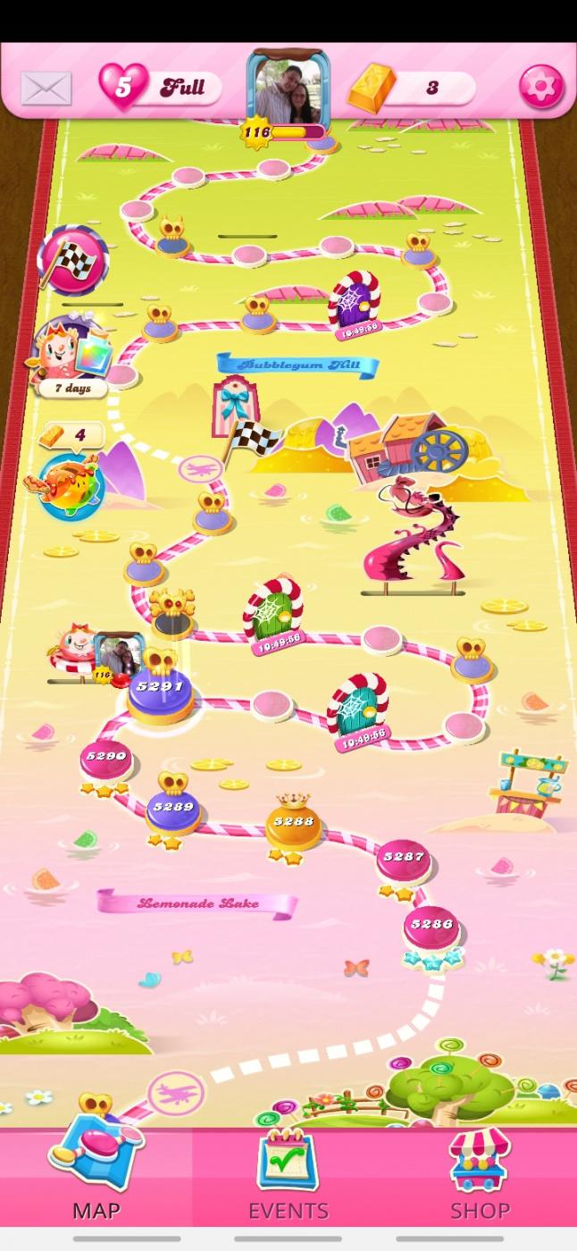Screenshot_20201102-231006_Candy Crush Saga.jpg