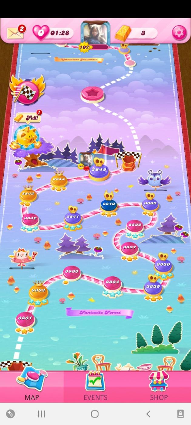 Screenshot_20210501-104055_Candy Crush Saga.jpg