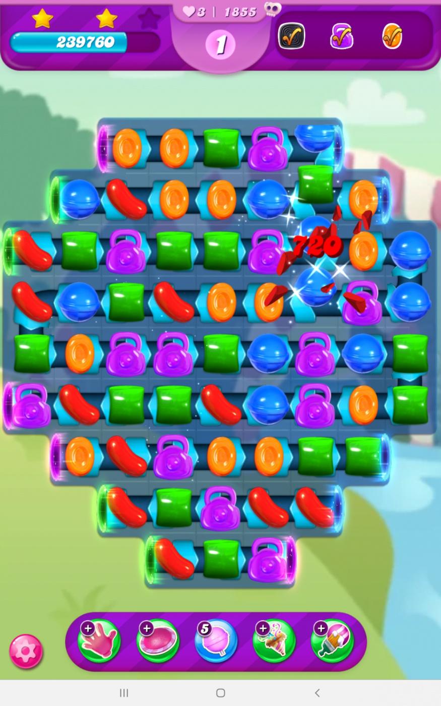Screenshot_20210730-155305_Candy Crush Saga.jpg