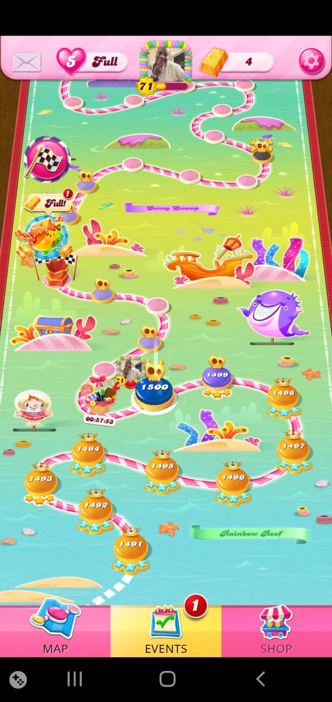 Screenshot_20210419-040208_Candy Crush Saga.jpg
